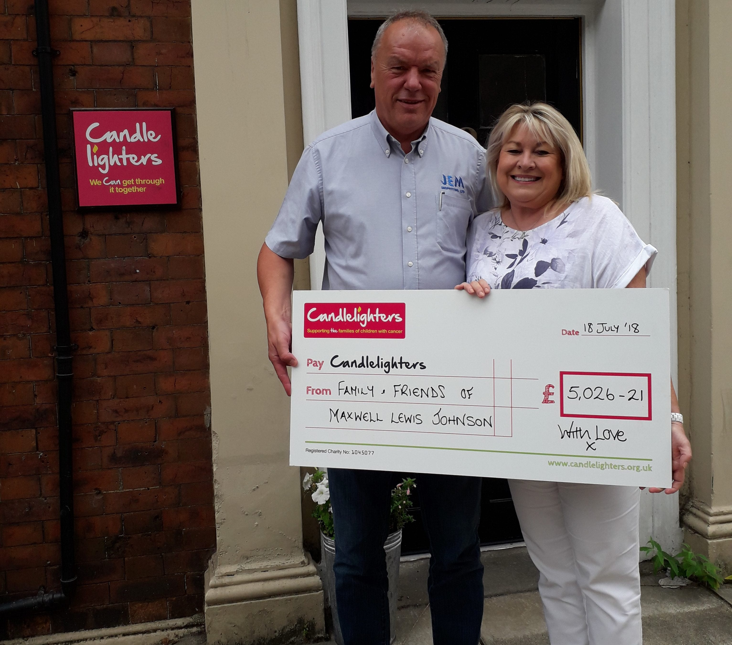 Julie and Lee host concert in memory of their son Maxwell, raising a staggering £5000.